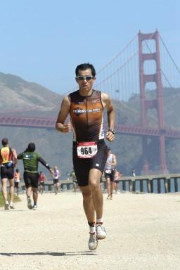 数々のトライアスロン大会に出場してきた石田さん。写真はサンフランシスコのレースから。