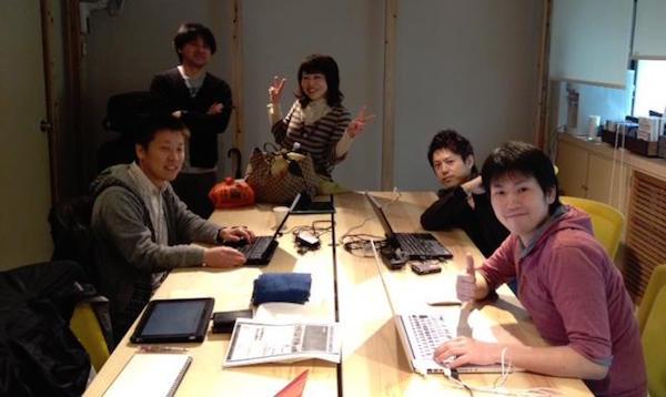 ルーム・トゥ・リードジャパンTechチーム (公式サイト制作中の様子)